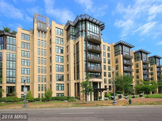 Mid-Rise 5-8 Floors, International - WASHINGTON, DC (photo 1)