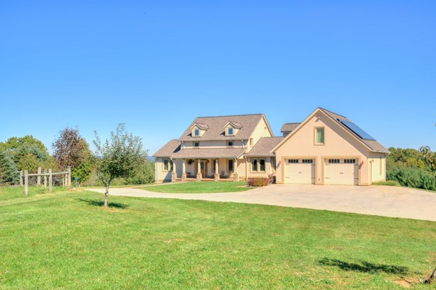 Cape Cod, Contemporary, Detached - Floyd, VA (photo 2)