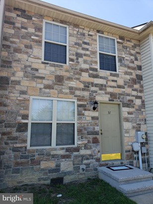 Townhouse, Interior Row/Townhouse - INWOOD, WV