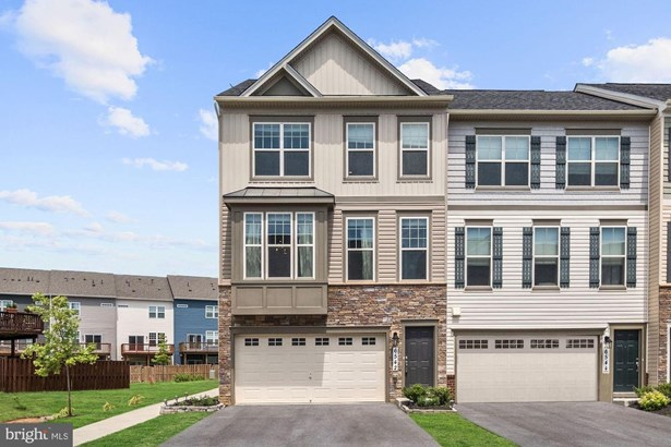 Townhouse, End of Row/Townhouse - FREDERICK, MD