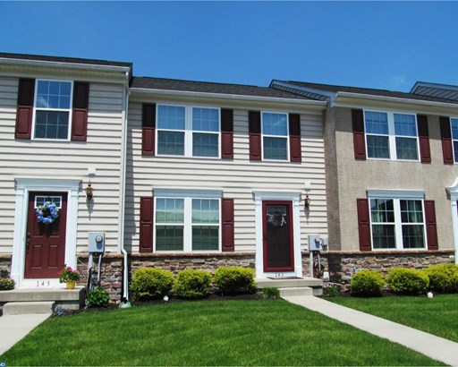 Row/Townhouse, Traditional - GILBERTSVILLE, PA (photo 1)
