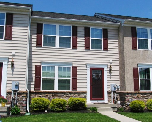 Row/Townhouse, Traditional - GILBERTSVILLE, PA (photo 2)