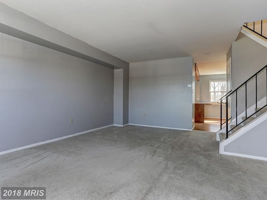 Colonial, Attach/Row Hse - CATONSVILLE, MD (photo 2)