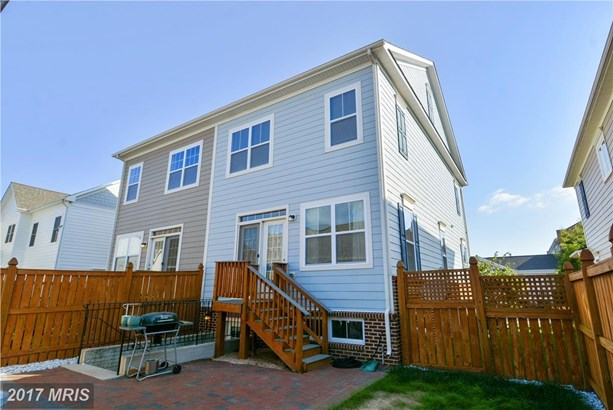 Townhouse, French Country - CHESTER, MD (photo 3)