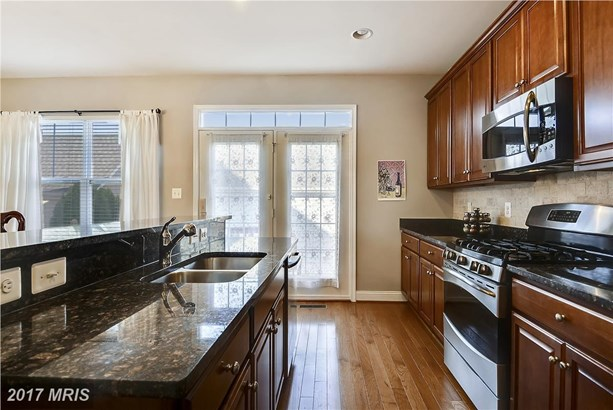 Townhouse, French Country - CHESTER, MD (photo 5)