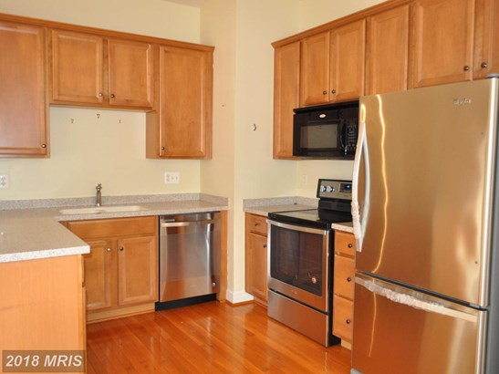 Townhouse, Traditional - BURTONSVILLE, MD (photo 2)