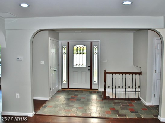 Split Level, Detached - BALTIMORE, MD (photo 4)