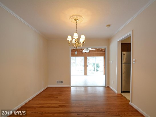 Split Foyer, Detached - ANNANDALE, VA (photo 4)
