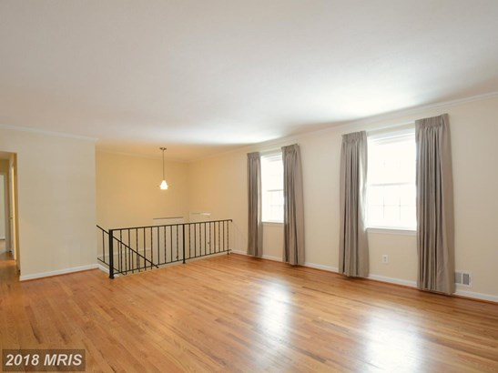 Split Foyer, Detached - ANNANDALE, VA (photo 5)