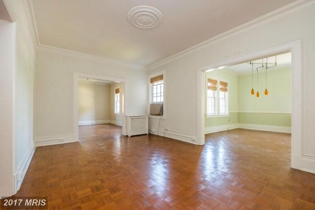 Tudor, Mid-Rise 5-8 Floors - BALTIMORE, MD (photo 4)