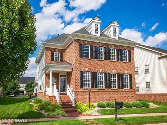 Colonial, Detached - BRISTOW, VA