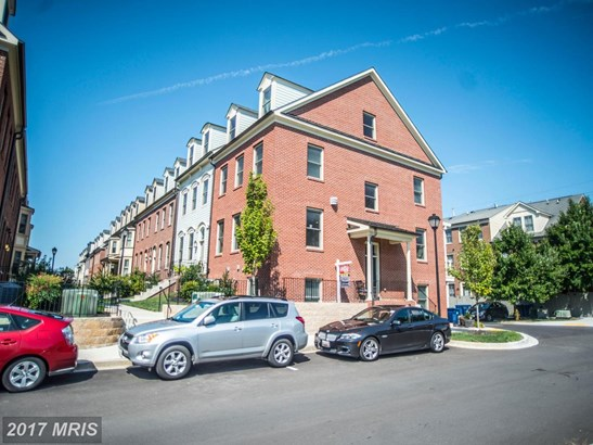 Townhouse, Colonial - FREDERICK, MD (photo 2)