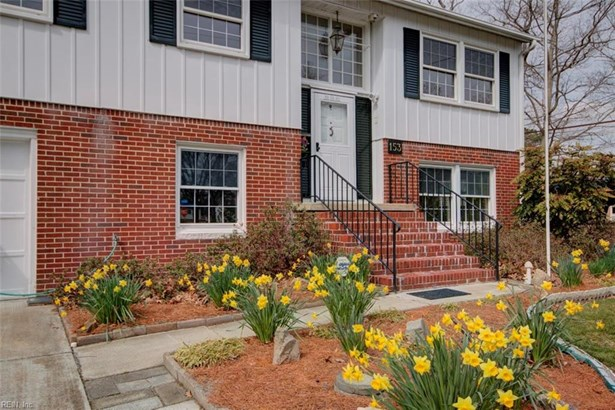 Split-Level, Single Family - Hampton, VA (photo 3)