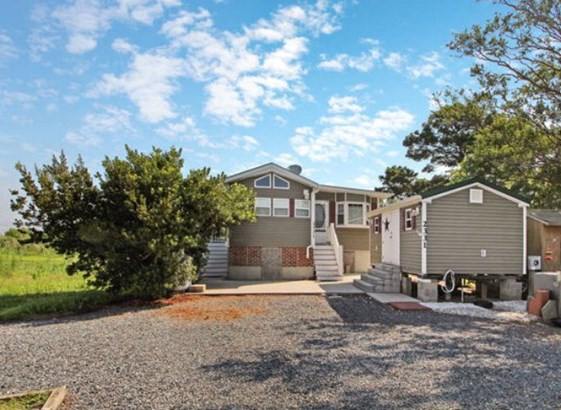 Beach House,Manufactured Home,Mobile Home, Other - Chincoteague, VA (photo 3)