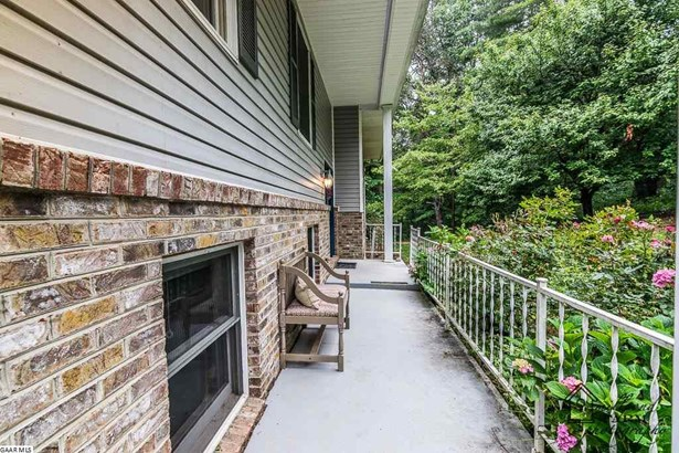Split Foyer, Detached - VERONA, VA (photo 5)