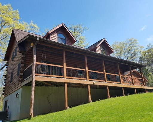 Loft with Bedrooms,Log Home, Detached - UPPER BLACK EDDY, PA (photo 2)