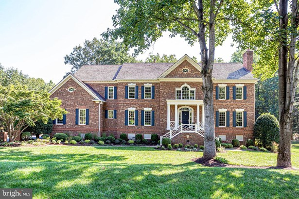 Detached, Single Family - GREAT FALLS, VA