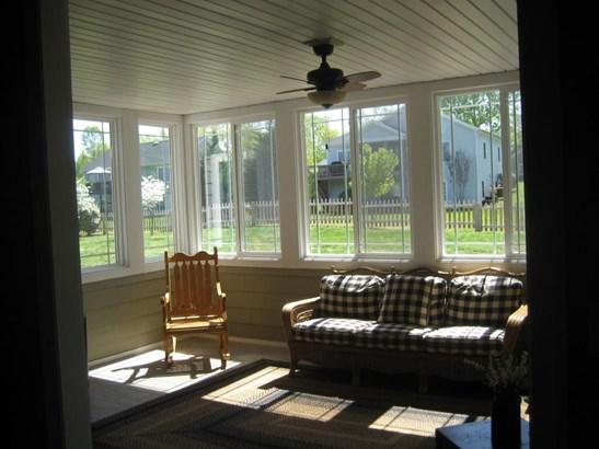 Cape Cod, Residential - Huddleston, VA (photo 4)