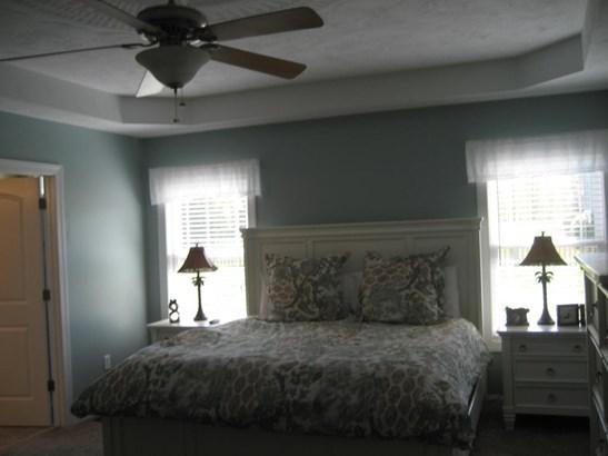 Cape Cod, Residential - Huddleston, VA (photo 5)