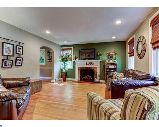 Colonial, Detached - HAVERTOWN, PA (photo 5)