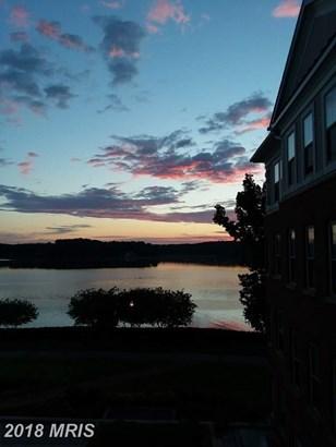 Mid-Rise 5-8 Floors, Federal - WOODBRIDGE, VA (photo 3)