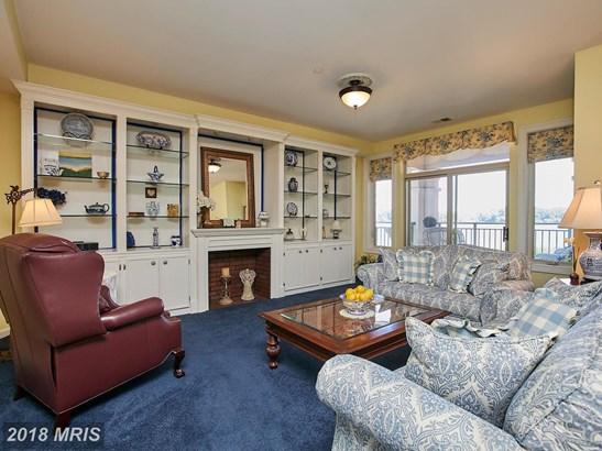 Mid-Rise 5-8 Floors, Federal - WOODBRIDGE, VA (photo 5)