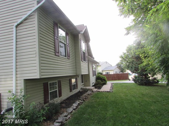 Split Level, Detached - TANEYTOWN, MD (photo 2)