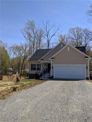 Cape, Transitional, Single Family - New Kent, VA (photo 2)