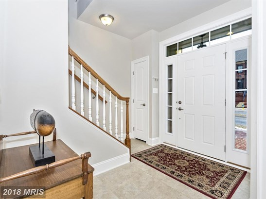 Townhouse, Contemporary - FREDERICK, MD (photo 3)