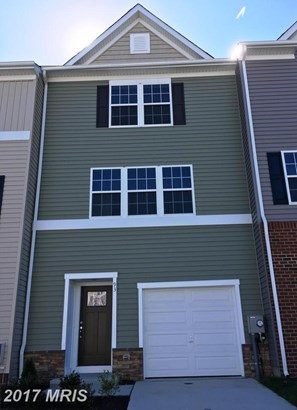 Townhouse, Colonial - MARTINSBURG, WV (photo 1)
