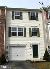 Townhouse, Interior Row/Townhouse - MARTINSBURG, WV