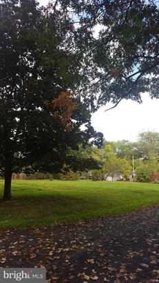 Detached, Single Family - DOYLESTOWN, PA