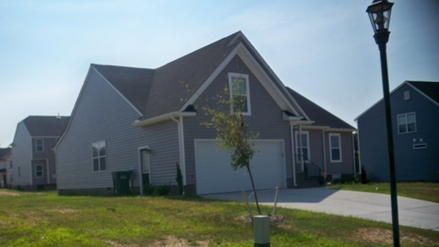 Ranch,2 Story, Residential - Henrico, VA (photo 4)