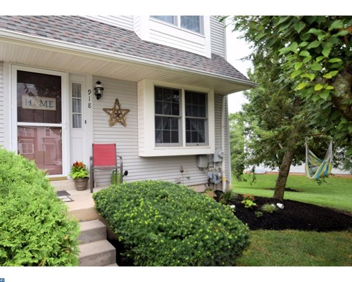 Row/Townhouse, Traditional - WEST NORRITON, PA (photo 2)