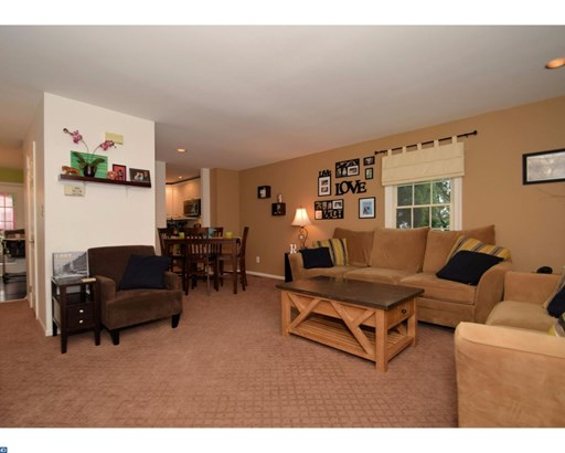 Row/Townhouse, Traditional - WEST NORRITON, PA (photo 3)