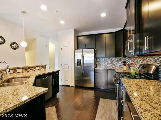 Townhouse, Traditional - GERMANTOWN, MD (photo 5)