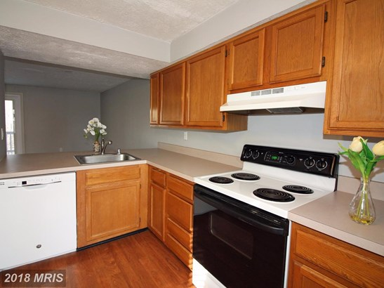 Townhouse, Traditional - FREDERICK, MD (photo 4)
