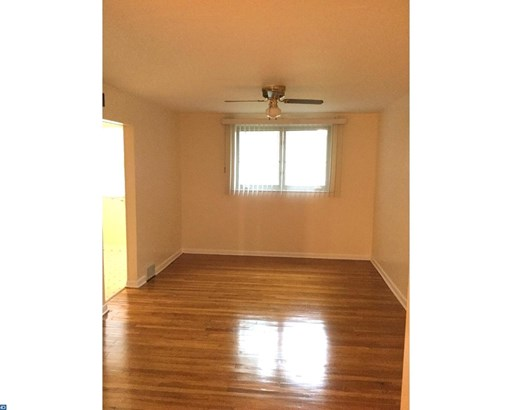 Semi-Detached, EndUnit/Row - UPLAND, PA (photo 4)