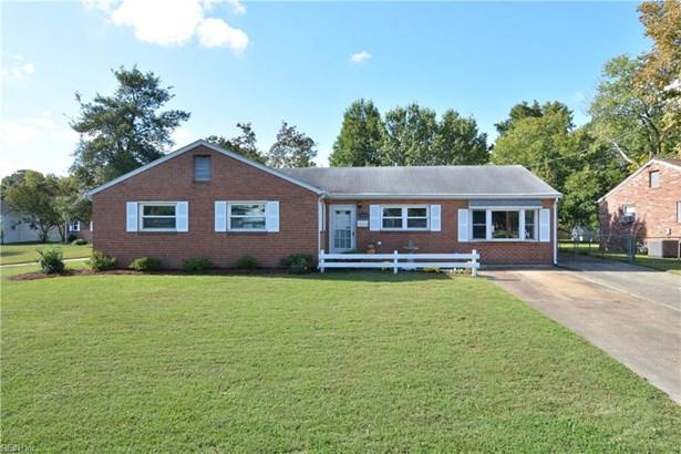 Ranch, Traditional, Single Family - Hampton, VA (photo 5)