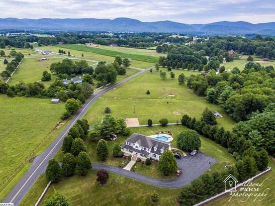 Farm House, TRADITIONAL, Detached - WAYNESBORO, VA (photo 2)
