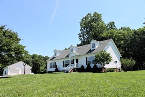 Residential, Cape Cod,2 Story - Kenbridge, VA (photo 1)