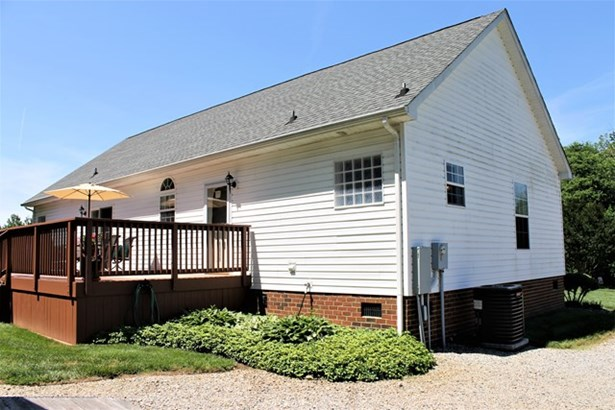 Residential, Cape Cod,2 Story - Kenbridge, VA (photo 5)