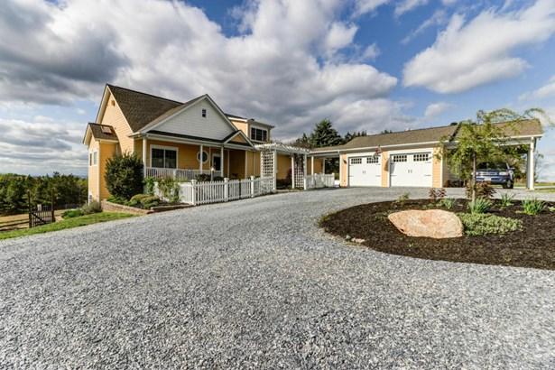 1 & 1/2 Story, Residential - Huddleston, VA (photo 3)