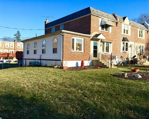 Row/Townhouse, Colonial,EndUnit/Row - GLENOLDEN, PA (photo 2)