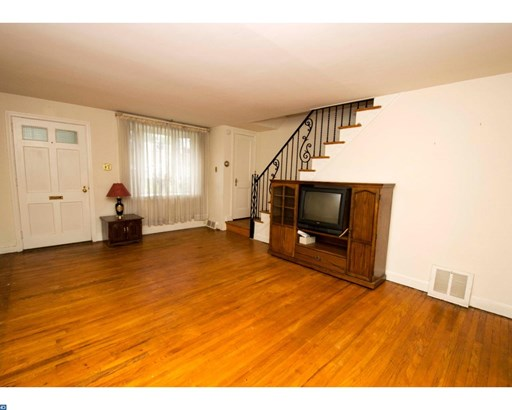 Row/Townhouse, Traditional,StraightThru - GLENOLDEN, PA (photo 4)