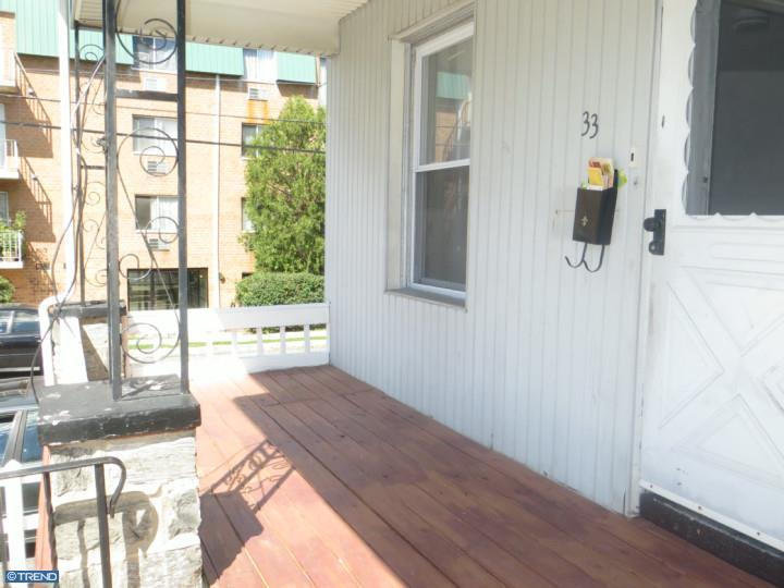 Row/Townhouse, Colonial - UPPER DARBY, PA (photo 3)