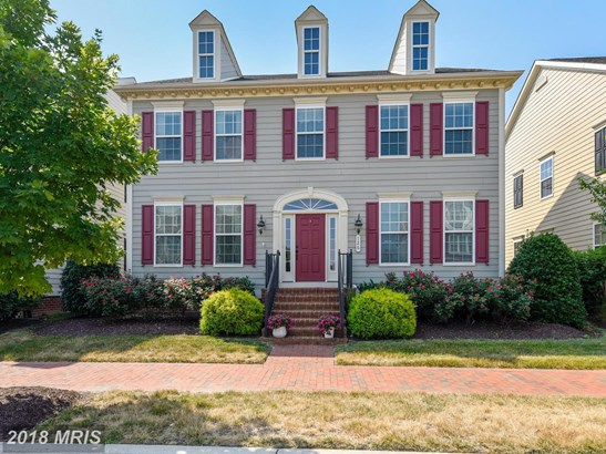 Colonial, Detached - CHESTER, MD