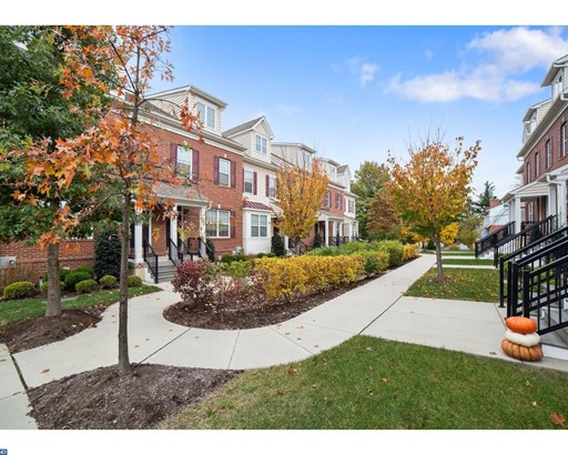 Row/Townhouse, Colonial,EndUnit/Row - LANSDALE, PA (photo 2)