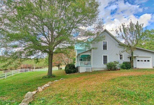 Detached, Farm House, Other - See Remarks, Victorian - Elk Creek, VA (photo 3)