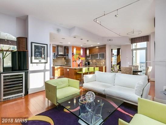 Hi-Rise 9+ Floors, Art Deco - RESTON, VA (photo 3)